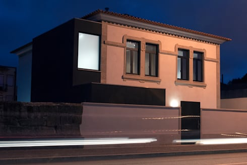 Vila Margarida: Casas modernas por INSIDE arquitectura+design