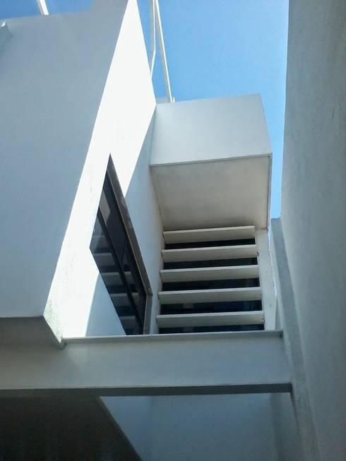 VARIAS OBRAS:  de estilo  por A-labastrum   arquitectos