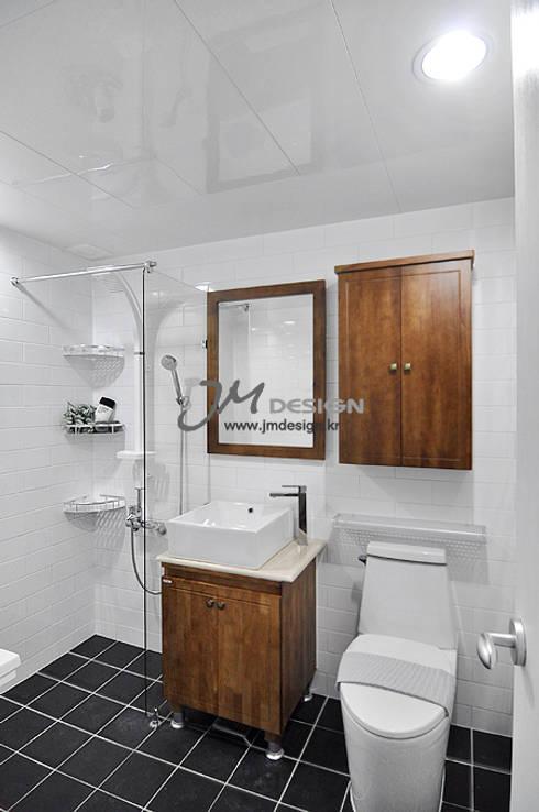 평촌현대홈타운33평 : JMdesign 의  욕실
