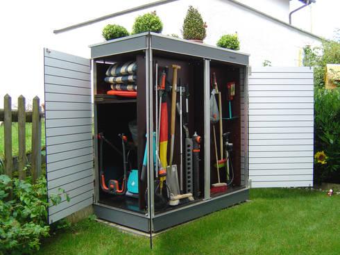 das raumwunder f r kleine g rten balkon und terrasse gartenschrank garten q teras von garten. Black Bedroom Furniture Sets. Home Design Ideas