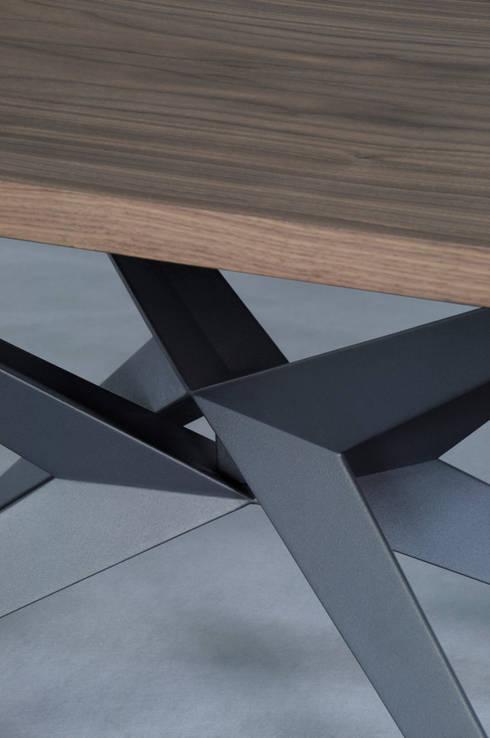 Projekty,  Jadalnia zaprojektowane przez Lestrocasa Firenze