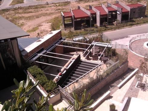 Sistemas de Palilleria ZEN retraido: Bares y discotecas de estilo  por GAVIOTA MEXICO