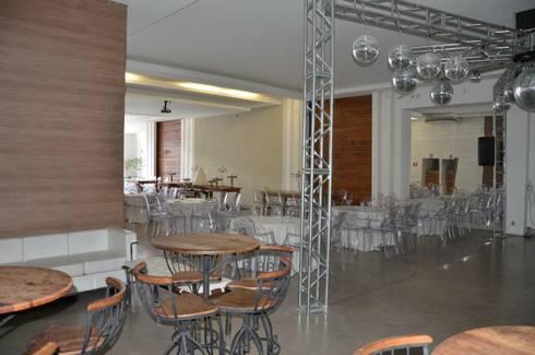 Espaço Felicitá: Locais de eventos  por Solange Figueiredo - ALLS Arquitetura e engenharia
