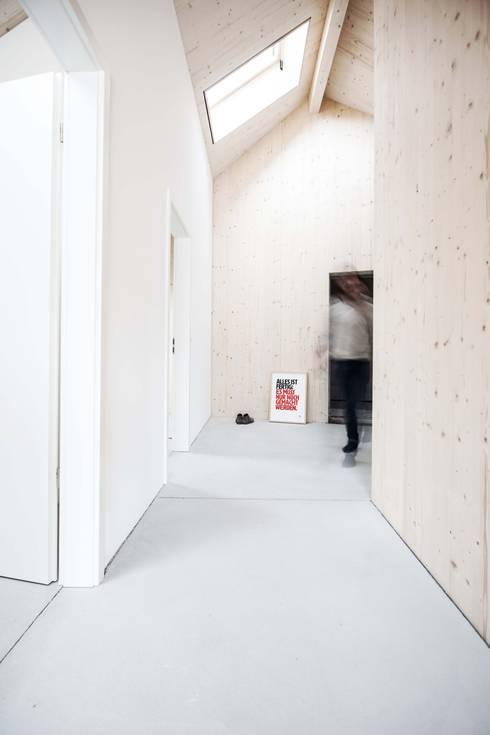 Studio für Architektur Bernd Vordermeier의  복도 & 현관