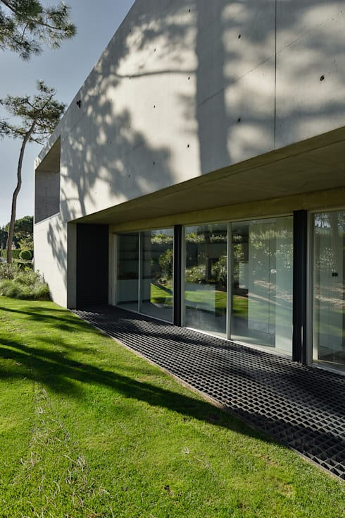 Ventanas de estilo  por guedes cruz arquitectos