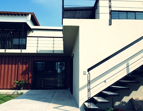 fachada casa marea:  de estilo  por ECOVERT domusé verde