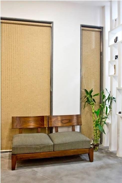 STEPPING STONE: modern Study/office by PADARRPAN ARCHITECTS