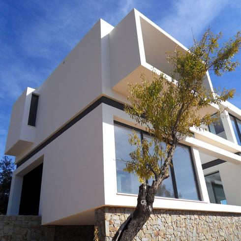 Casa AI: Casas modernas por Luís Duarte Pacheco - Arquitecto
