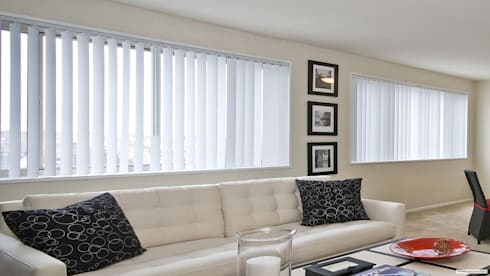 Vertical PVC: Hogar de estilo  por Escuadra Arquitectura C.A