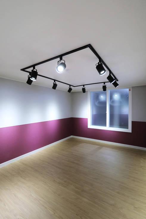 moderne Schlafzimmer von 금화 인테리어