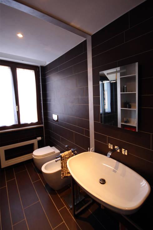 Ванные комнаты в . Автор – Aalpe Architetti