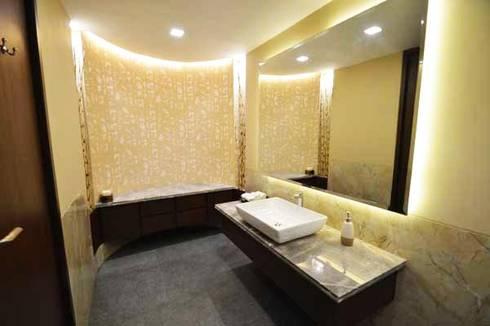 WTC SEA LOUNGE: modern Bathroom by Studio Vibes