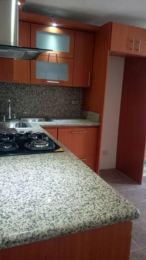 Cocinas: Cocinas de estilo  por ANDRES COCINAS Y MARMOL