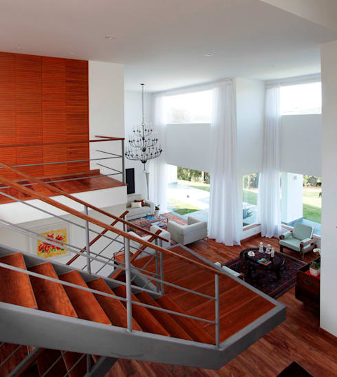 Corridor, hallway by Carlos Salles Arquitetura e Interiores