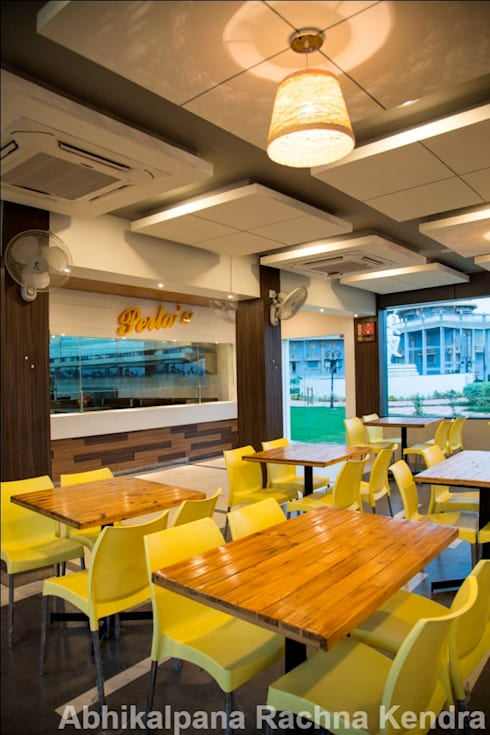 Food Court:  Hotels by ARK Architects & Interior Designers