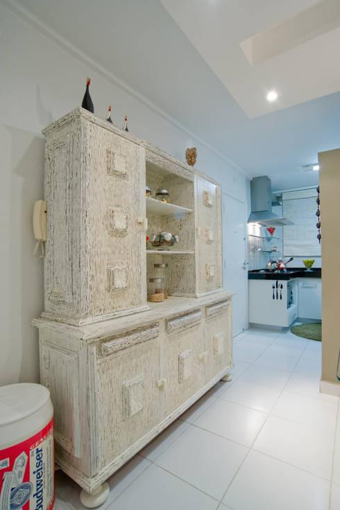 Louceiro Antigo : Cozinhas ecléticas por Patrícia Azoni Arquitetura + Arte & Design