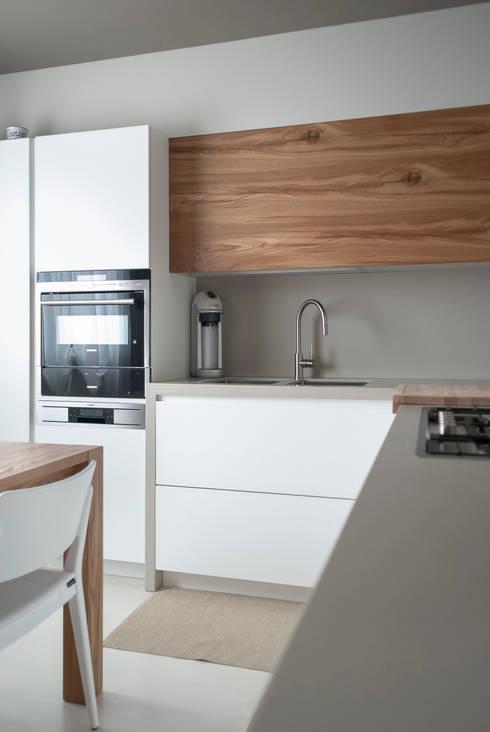 Paraschizzi in cucina guida ai materiali e idee - Alternativa piastrelle cucina ...