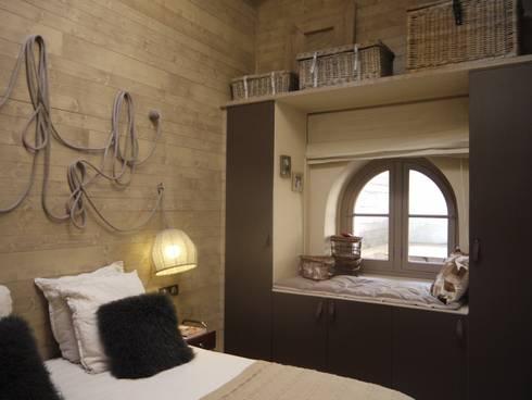 R alisation d 39 une chambre chalet dans un loft por conseil d co cr ation homify for Deco slaapkamer chalet