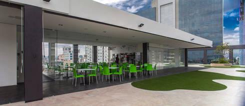 Colegio de la Imagen Publica: Comedores de estilo moderno por Serrano Monjaraz Arquitectos