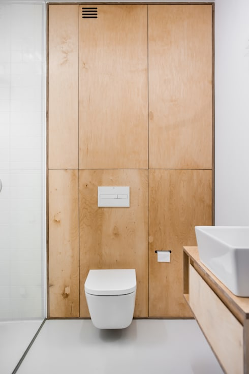 Bathroom by Joanna Kubieniec