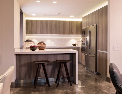 FUENTES / TRENDO: Cocinas de estilo moderno por Idea Cubica