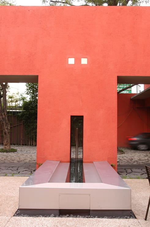 Restaurante Capicúa Av. Paz: Casas de estilo moderno por Serrano Monjaraz Arquitectos