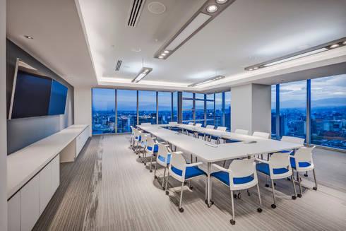 Corporativo Capital Reforma: Estudios y oficinas de estilo moderno por usoarquitectura