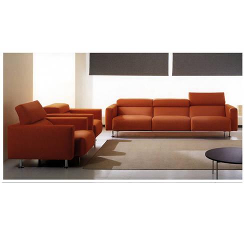 Divano boboli di studio giobbi architetto homify for Rivestire un divano quanto costa