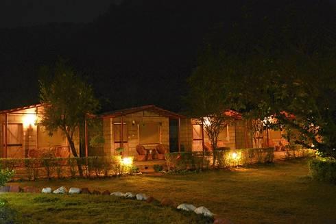 Rishikesh: modern Houses by Studio Ezube