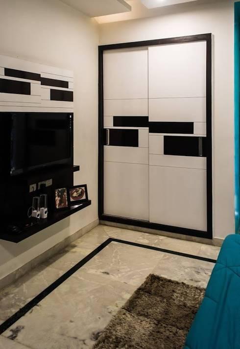 Singh Residence: modern Bedroom by Studio Ezube