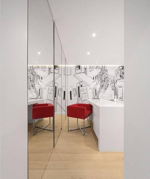 Apartamento Lisboa: Quartos minimalistas por Ana Maria Timóteo _ arquitecta