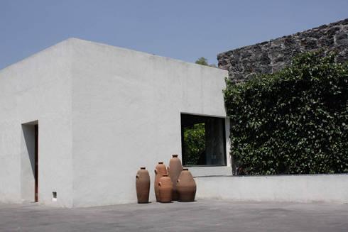 Casa Pedregal : Casas de estilo moderno por José Vigil Arquitectos