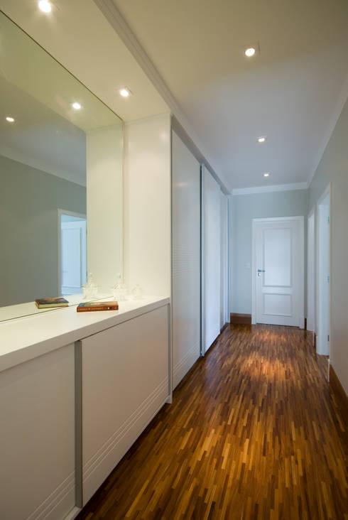 Lozí - Projeto e Obra:  tarz Koridor ve Hol