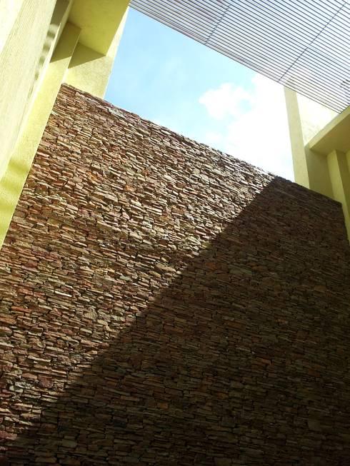 casa Jaime- Don Torcuato- Buenos Aires: Casas de estilo  por Arq.Rubén Orlando Sosa