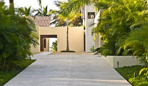 Casa Beidisia: Casas de estilo moderno por José Vigil Arquitectos