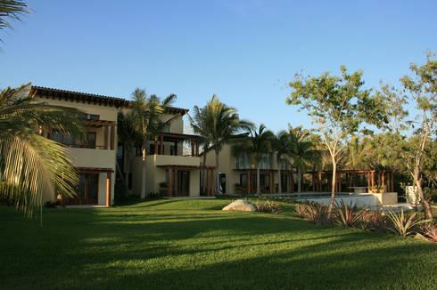 Casa Beidisia: Terrazas de estilo  por José Vigil Arquitectos