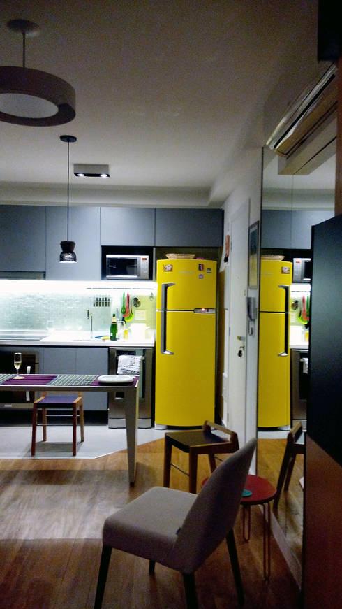 Cuisine de style de style Moderne par LUB Arquitetura - Luiza Bassani