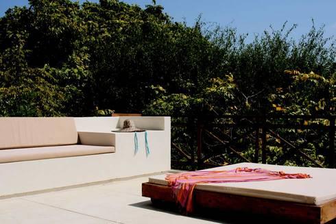 Isla Única Cartagena: Terrazas de estilo  por Kubik Lab