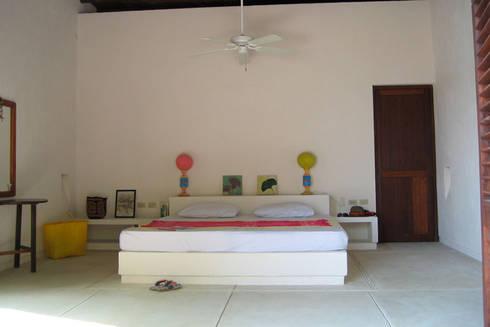 Isla Única Cartagena: Habitaciones de estilo tropical por Kubik Lab