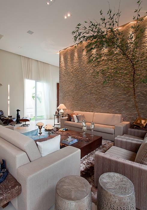 Ruang Keluarga by Maria Helena Caetano _ Arquitetura e Interiores