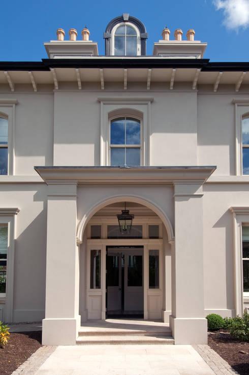 Projekty,  Domy zaprojektowane przez Des Ewing Residential Architects