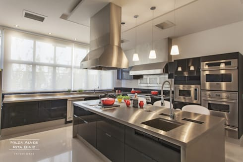 Cozinha: Cozinhas modernas por Nilza Alves e Rita Diniz