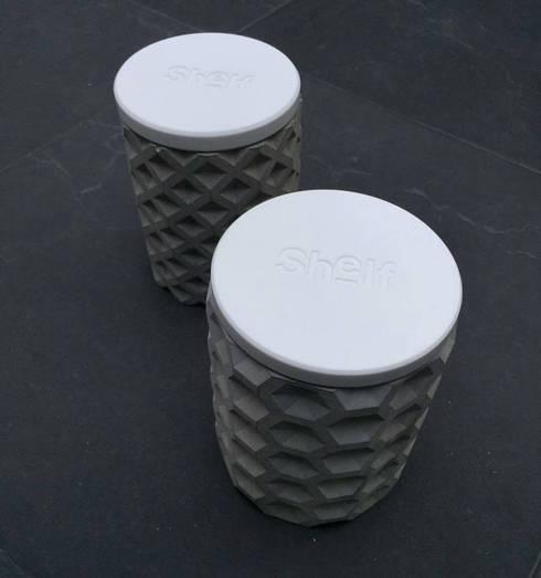 Contenedores de concreto | RCD + Shelf: Hogar de estilo  por Tres Deco