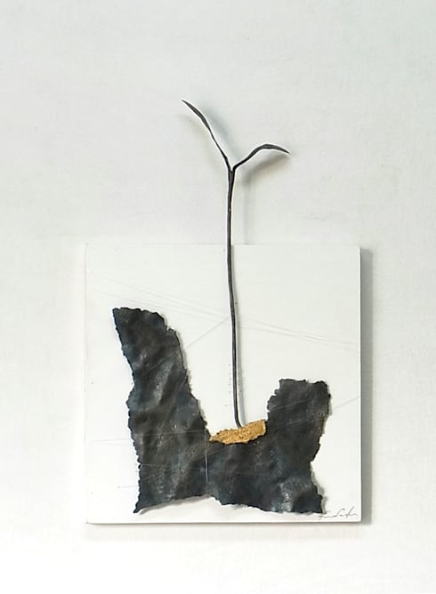 EXTINCTION AND REBIRTH 02: Rie SASAKIが手掛けたアートです。