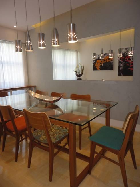 APARTAMENTO EM COPACABANA - CORTE DE CANTAGALO: Salas de jantar modernas por Maria Helena Torres Arquitetura e Design