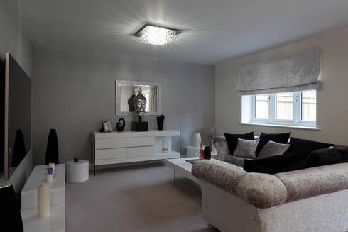 Living room: classic Living room by Quirke McNamara