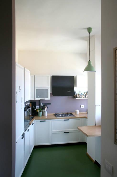 Cucina: Cucina in stile  di Atelier delle Verdure