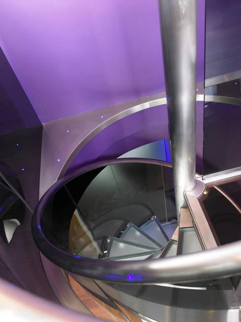 Luxury Penthouse London:  Corridor & hallway by Quirke McNamara