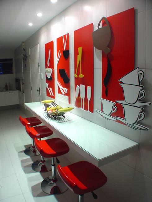 Projeto Casa Cor Alagoas - revestimento de parede: Salas de jantar modernas por Complementto D