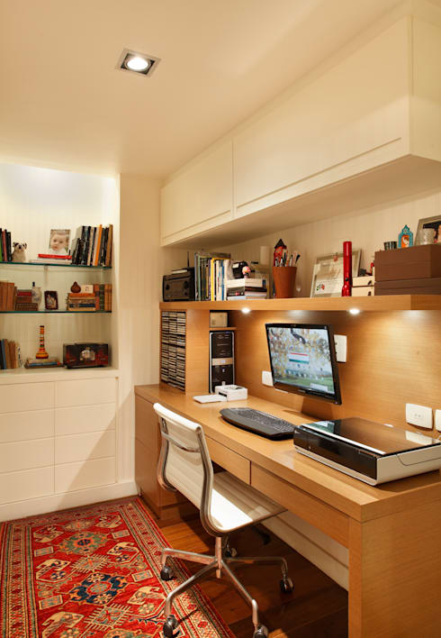 modern Study/office by Laura Boechat Arquitetura